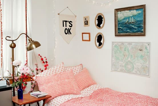 gallery wall Dream Dorm Decor: Deck The Walls