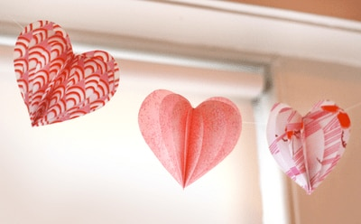 valentine heart garland Valentines Day Craft Round Up