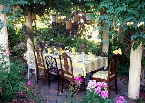 Eclectic Patio by Jary Ralston via Houzz