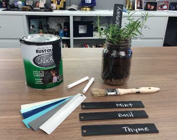 Make Chalkboard Garden Markers With Blinds Slats The