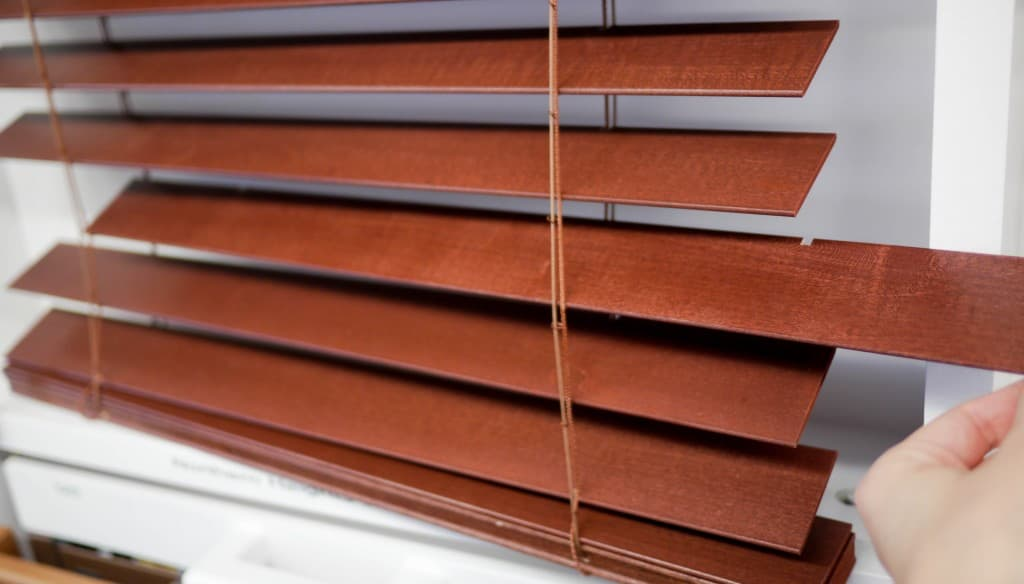 Routeless Blinds - remove slats to clean