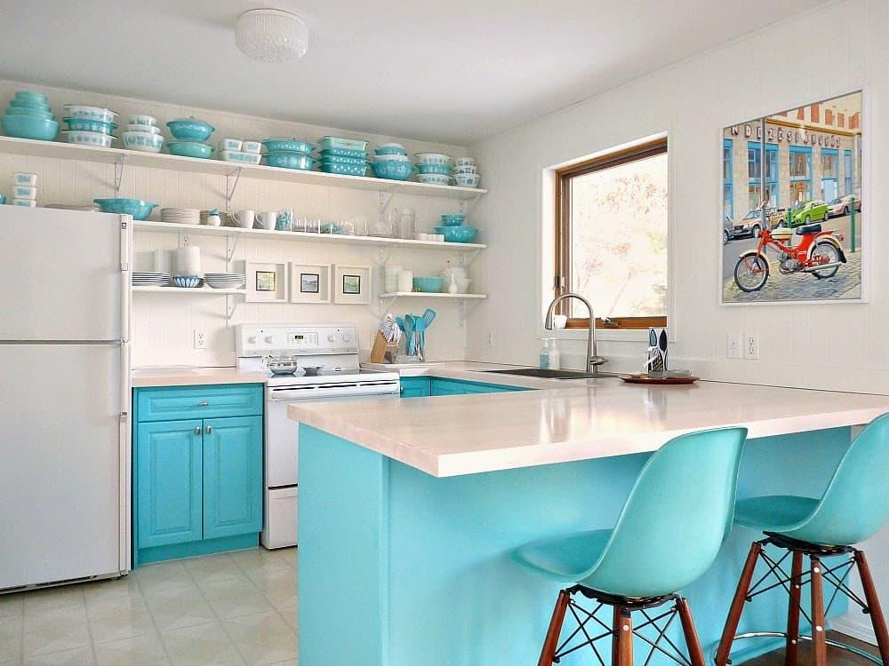 Pyrex Display Kitchen