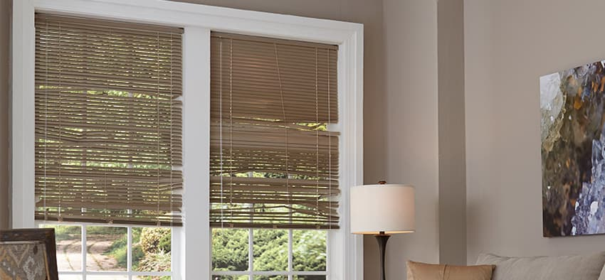 Home stager secrets 6 eyesores that make your home look outdated the finishing touch for Cost of blinds for 3 bedroom house