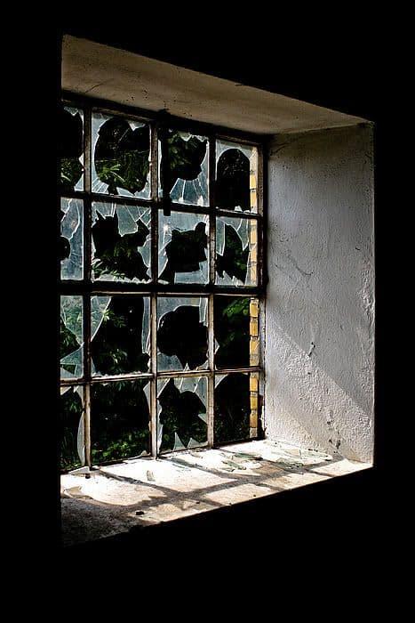 how to fake broken windows